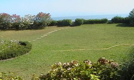 اجاره روزانه ویلای دو خوابه براول ساحل سوپر لوکس در دهکده ساحلی،انزلی(کد:1126)