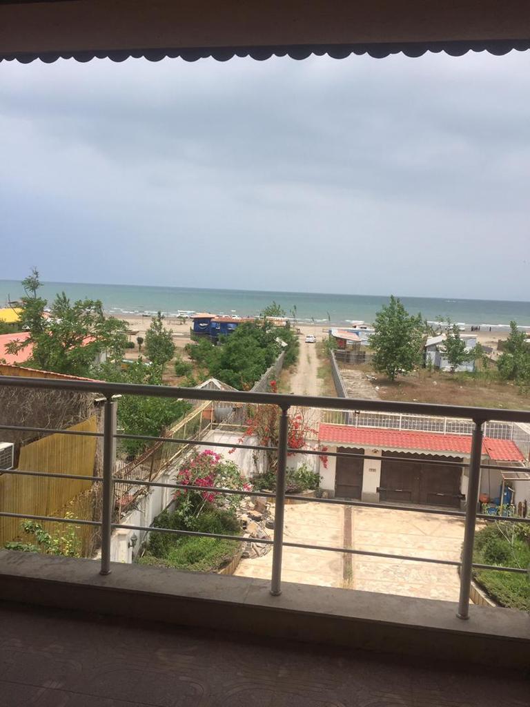 فروش ویلا باغ 700 متری بر ساحل ساحل زیباکنار (کد:206)